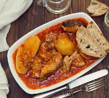 Pikantny gulasz z karpia - pyszne rybne danie