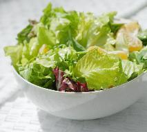 Sałata: jakie ma właściwości? Najpopularniejsze rodzaje sałat zielonych