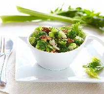 Sałatka brokułowa z selerem i orzechami: przepis na zdrowie