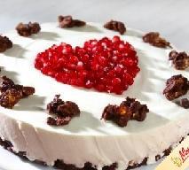 Sernik z granatem - doskonały przepis na Walentynki