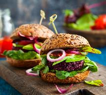 Pyszne burgery z komosy ryżowej i fasoli: łatwy przepis na bezmięsne kotlety
