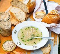 Krupnik na żeberkach cielęcych: przepis na zupę dla seniora według Magdy Gessler