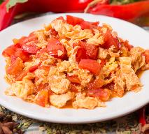 Jajecznica z pomidorami - przepis na śniadanie pełne potasu