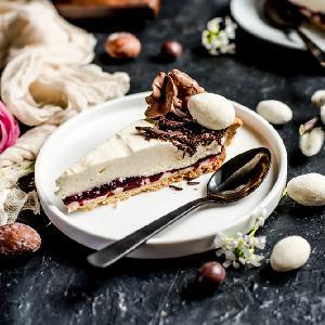 Mazurek chałwowy: przepis na obłędne ciasto wielkanocne