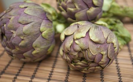 Karczochy nadziewane jagnięciną: przepis na danie na karnawałowe przyjęcie