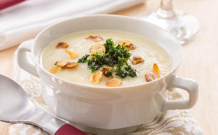 Zupa migdałowa: kresowa zupa na Wigilię