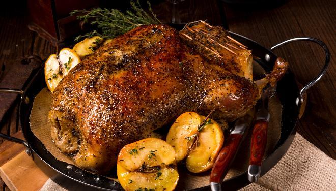 Drób na świąteczny obiad - 5 pomysłów na wykwintne dania z drobiu