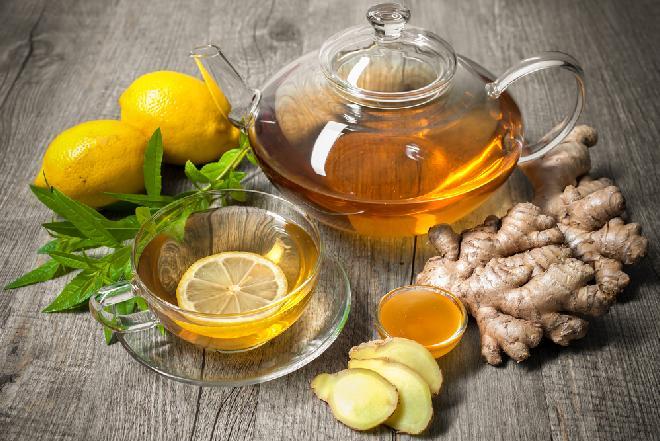 Jak zrobić herbatę z imbirem - dobrą na przeziębienie i problemy z żołądkiem?