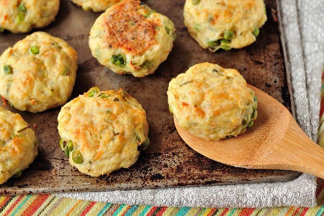 Krokiety ziemniaczane z mielonym mięsem: przepis na oszczędny obiad