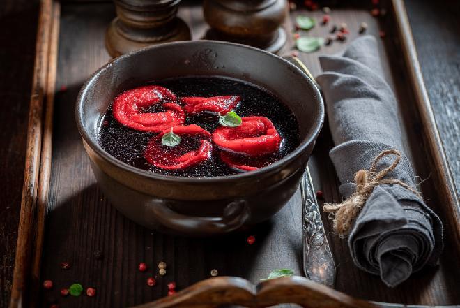 Barszcz czerwony: 4 błędy najczęściej popełniane podczas gotowania