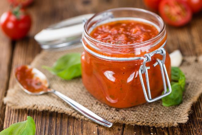 Domowy sos pomidorowy - zamiast koncentratu lub keczupu [PRZETWORY Z POMIDORÓW]