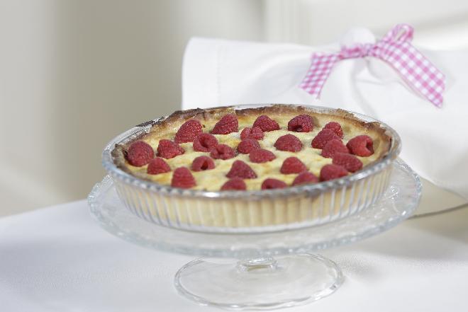 Malinowa tarta z kremem - jak zrobić?